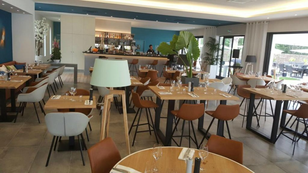 trendy cafe leather chairs